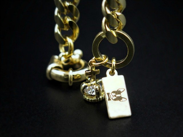 gold chain frenchie head