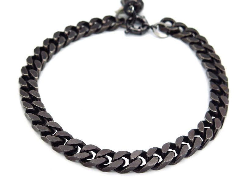 dog black chain